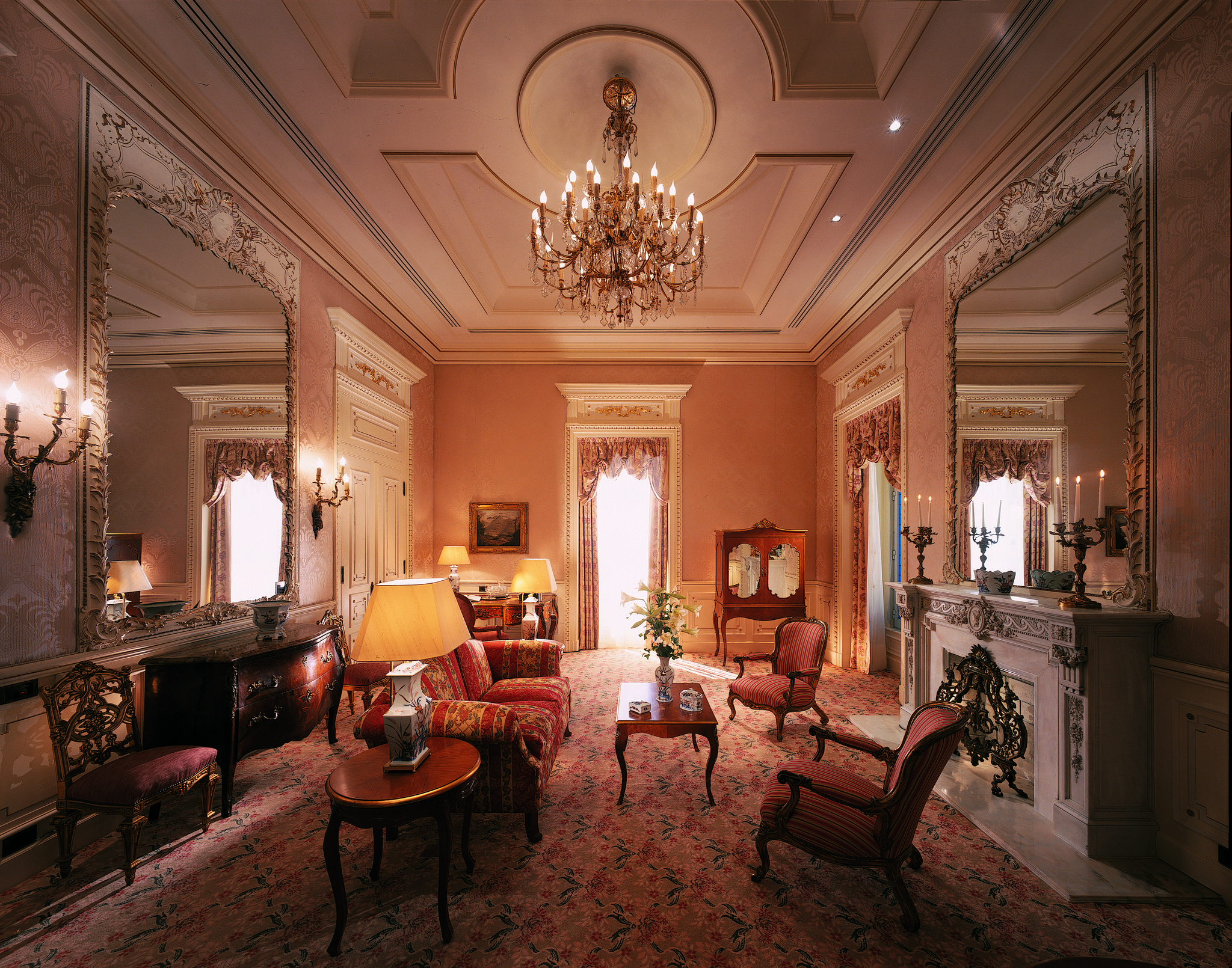 Olissippo Lapa Palace - Royal Suite living room.tif