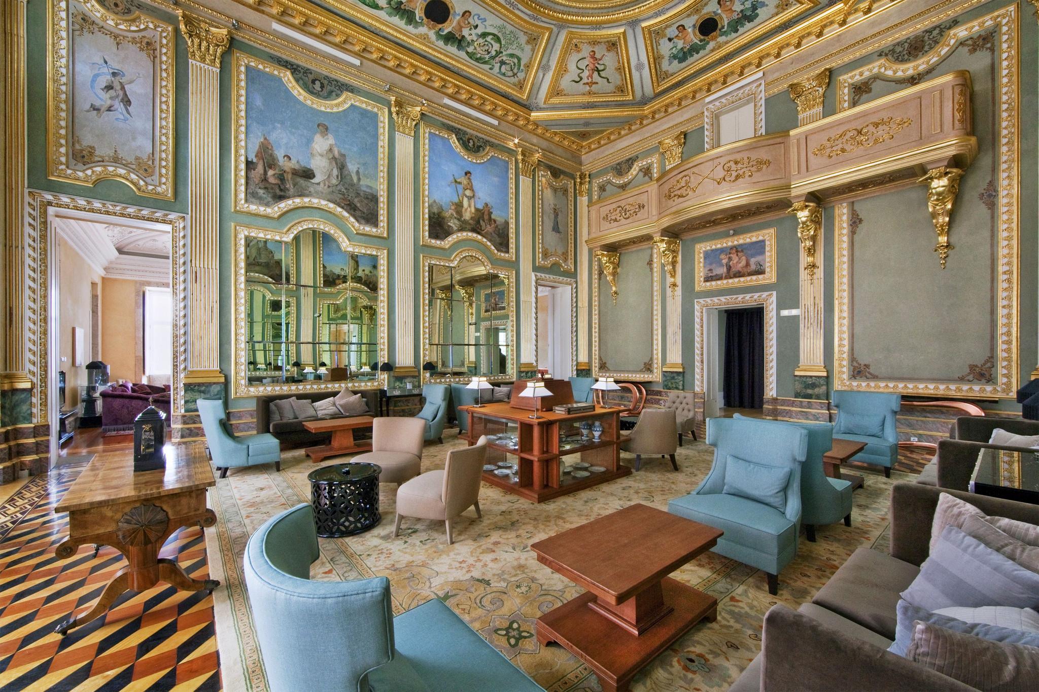 Hotel Palacio do Freixo Hall (2).jpg