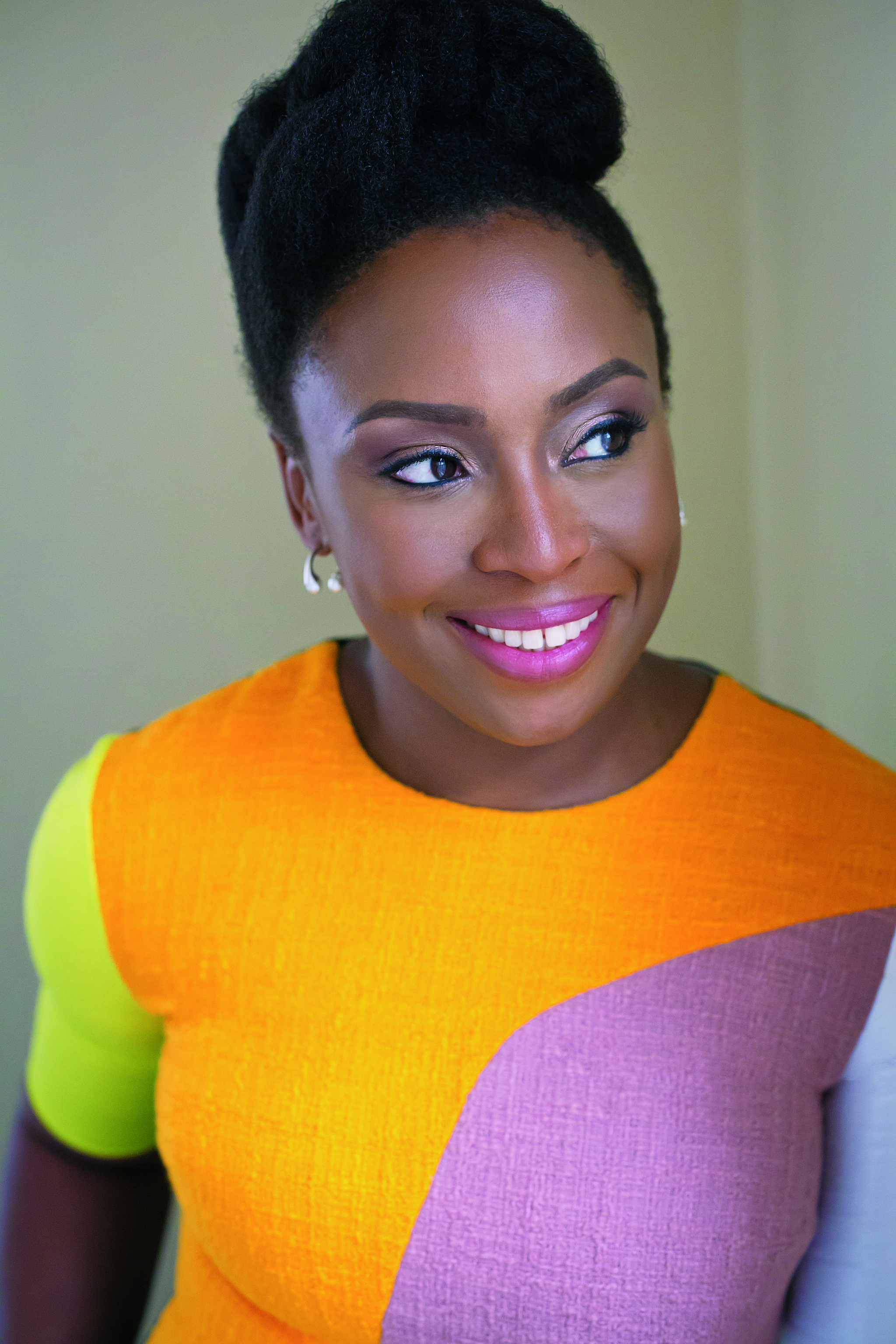 Chimamanda Ngozi Adichie 2017 c. Wani Olatunde.jpg