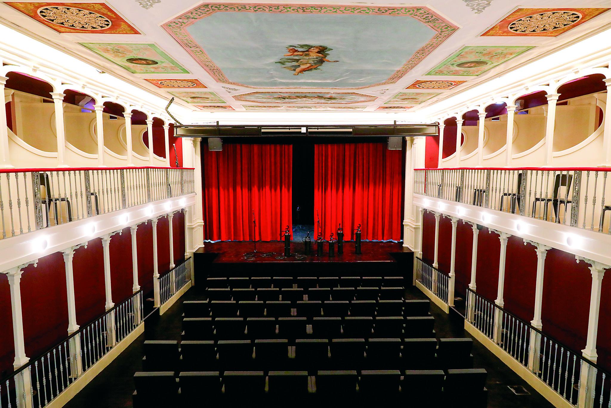 MB Teatro LuisCamoes 04.jpg