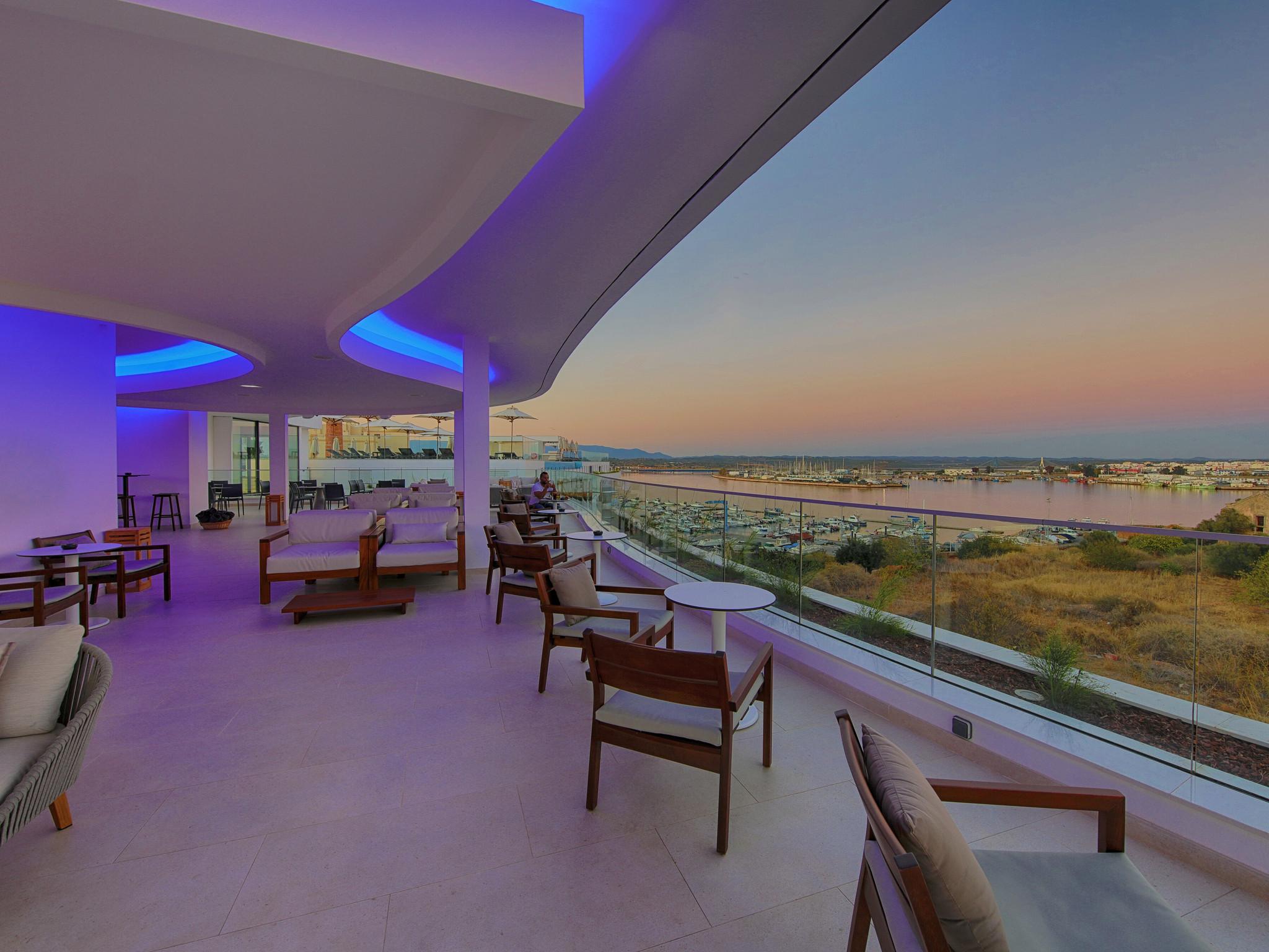Jupiter Marina Hotel Rooftop_arade_bar_view- AA.jpg