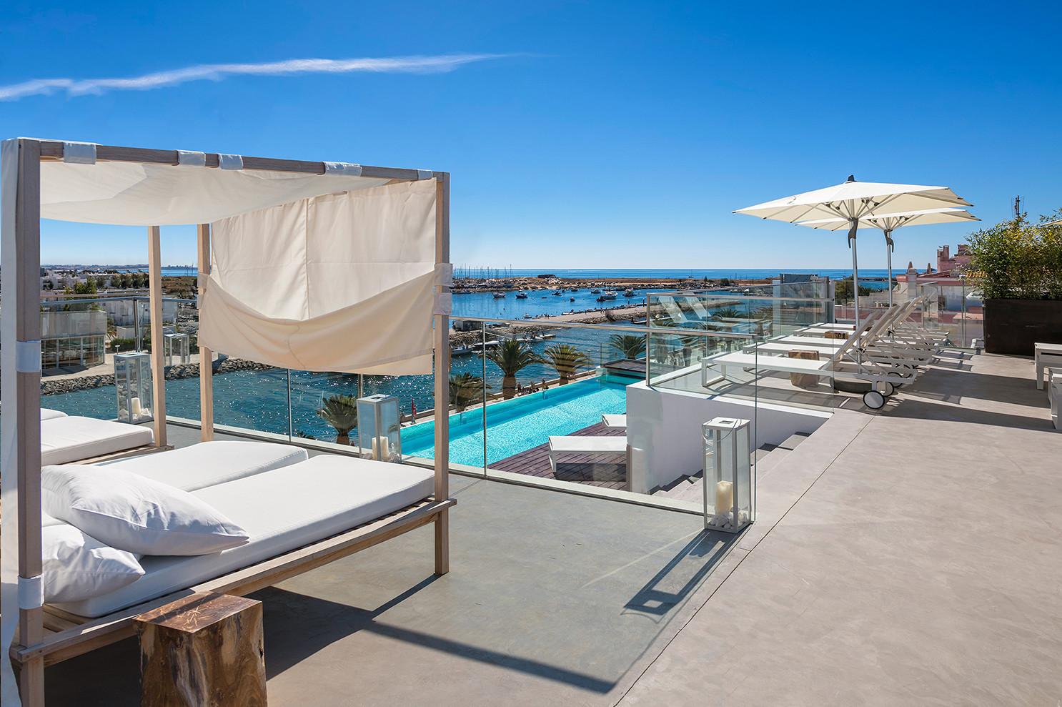 Lagos Avenida Hotel - Algarve infinitypool_low quality.jpg