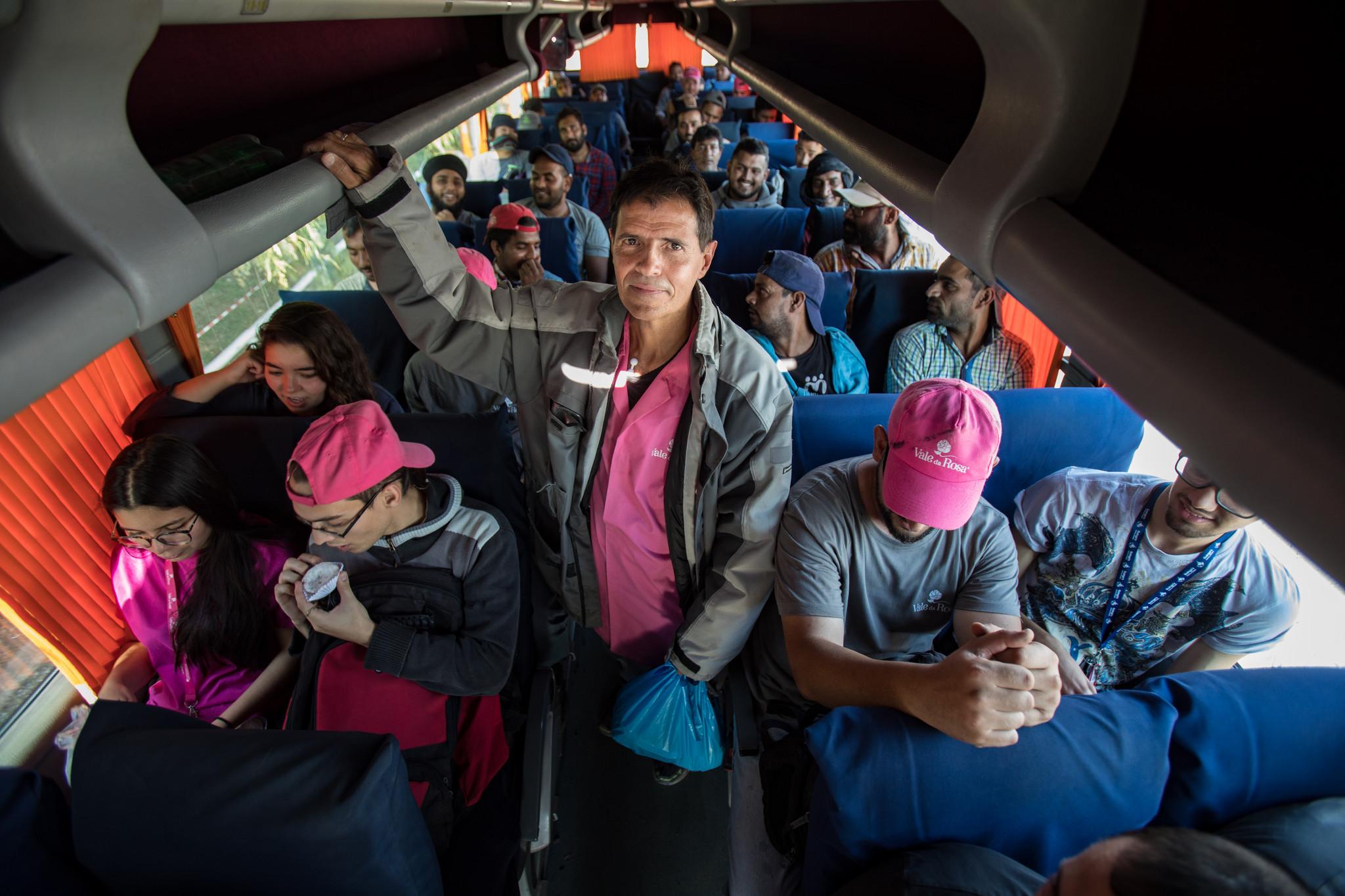 Um dia na vida dos venezuelanos que fugiram para o Alentejo