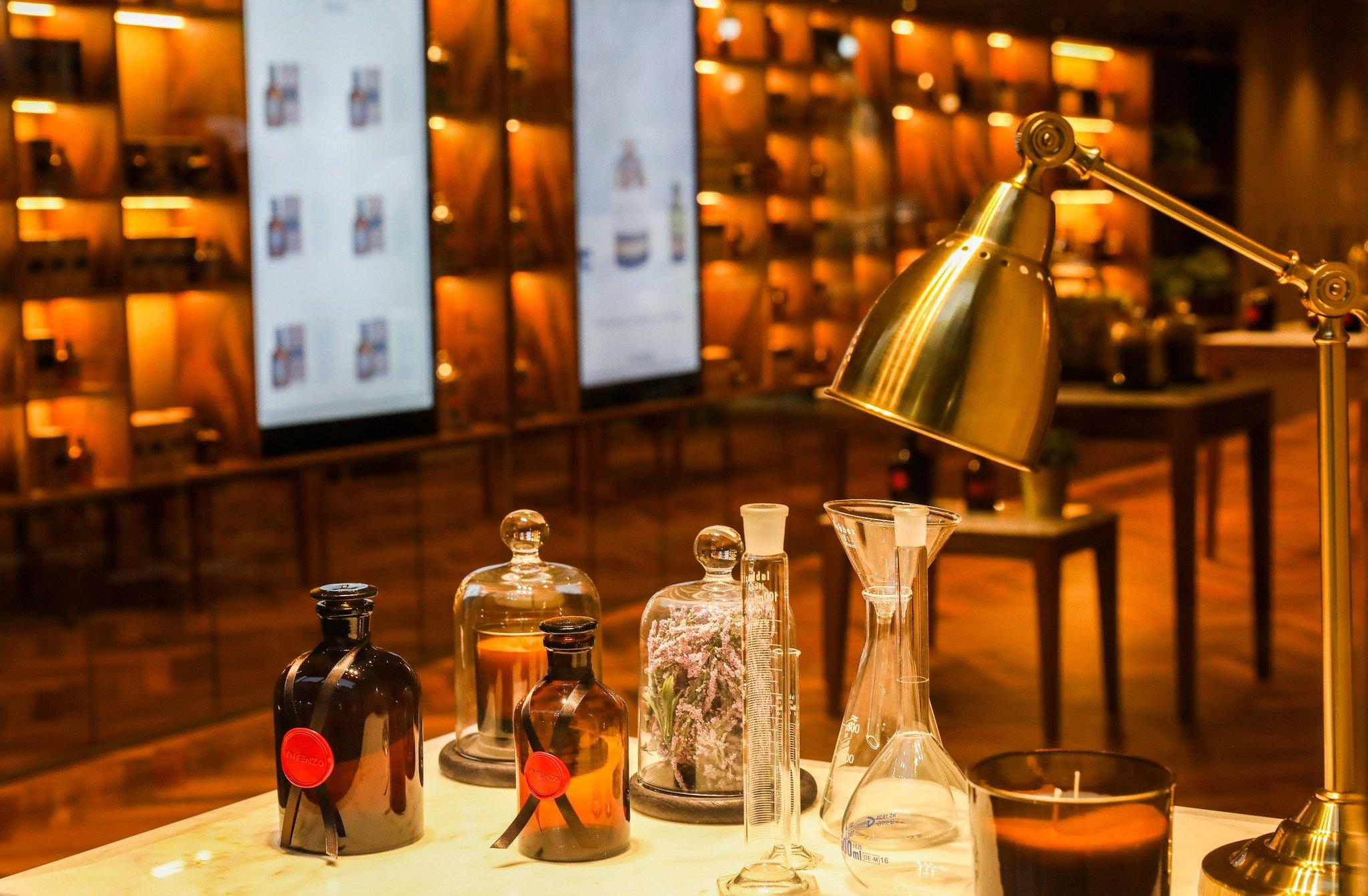 LM-Perfumes Yntenzo 1.jpg