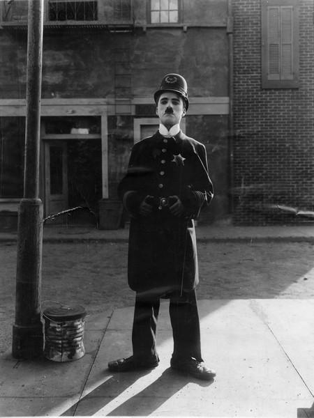 big_easy_street_as_the_policeman.jpg