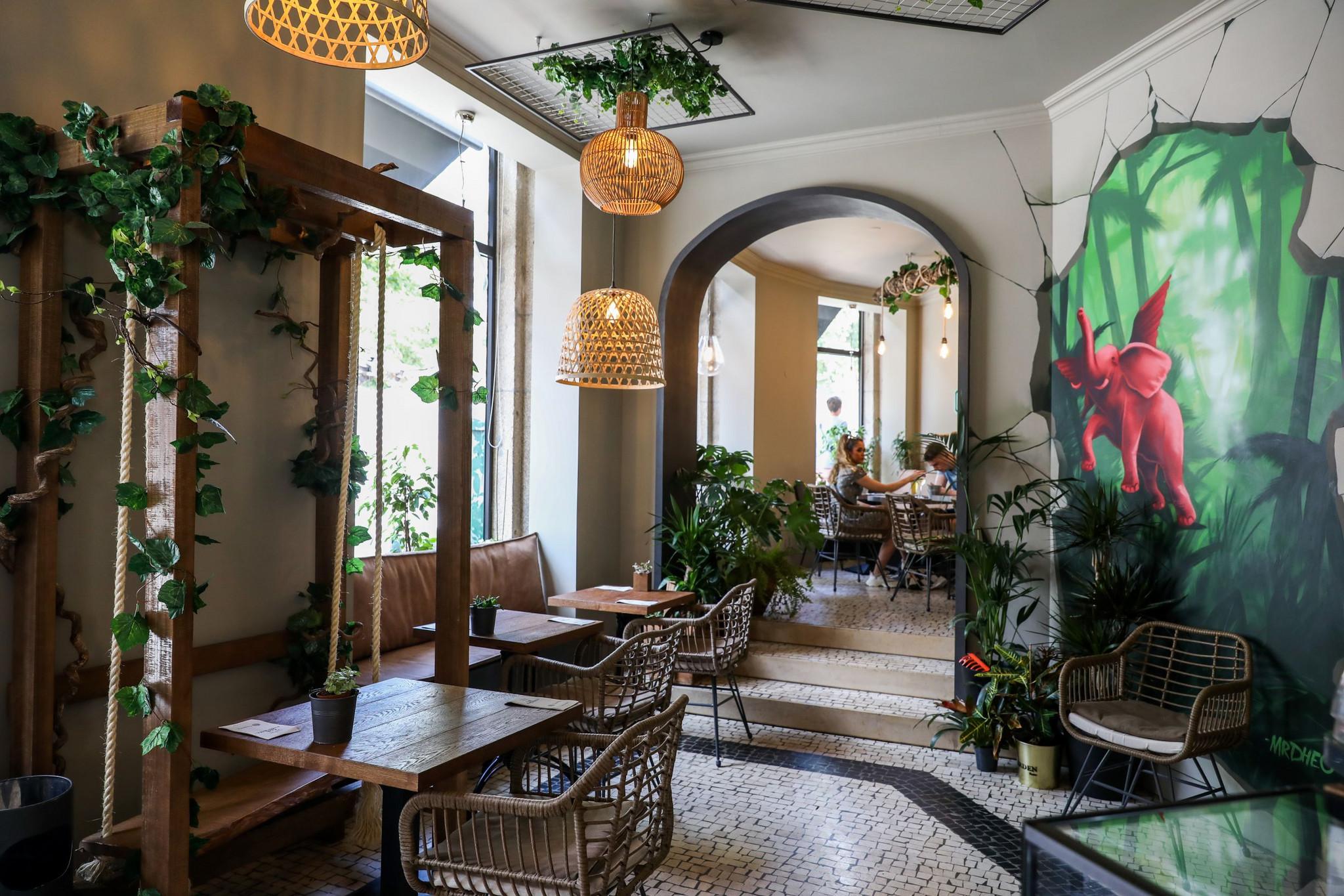 LM-Garden Porto Café-4x.jpg
