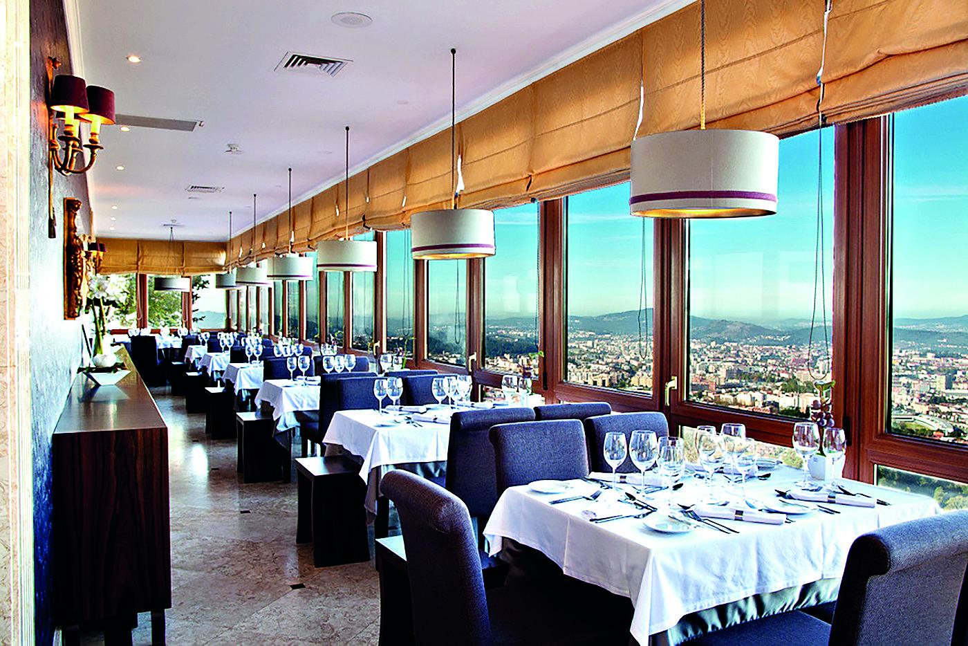 Hotel-do-Elevador-restaurant.jpg