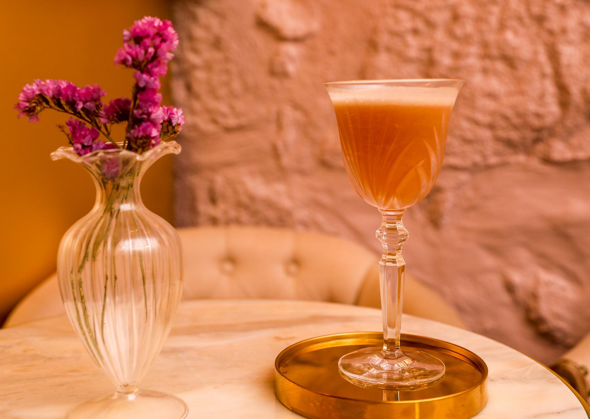 No bar Golden Oldie, no Porto, brinda-se aos anos 20