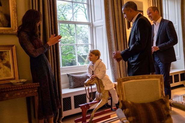 Prince-George-meets-the-Obamas (1).jpg