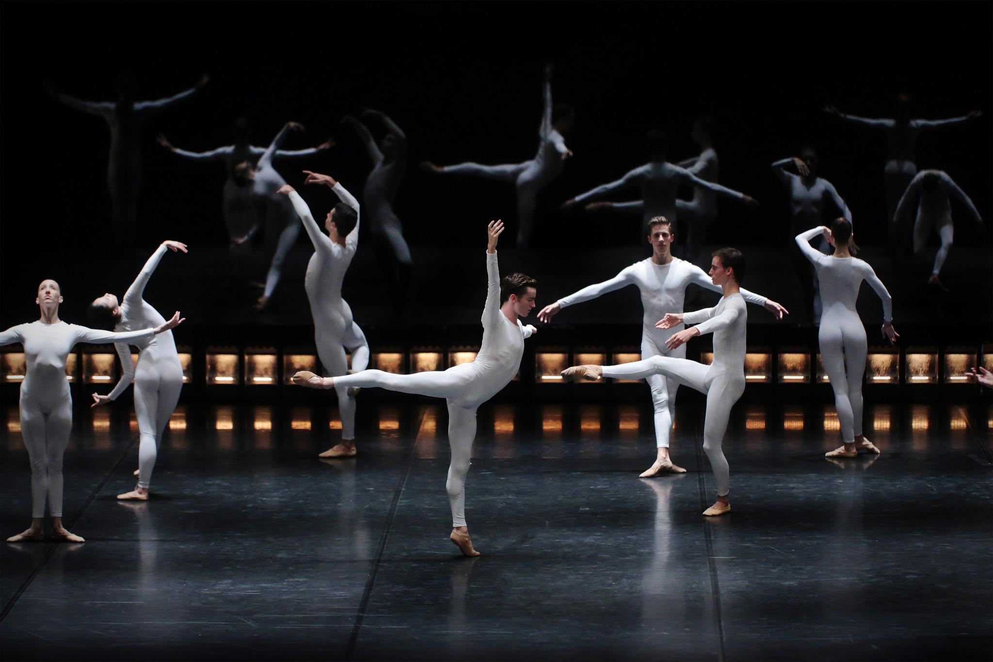 051_quinze bailarinos e tempo incerto_-®brunosimao_.jpg