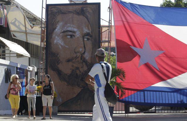 A Religião de Cuba: Fidel(idade) Castro e um pouco de areia