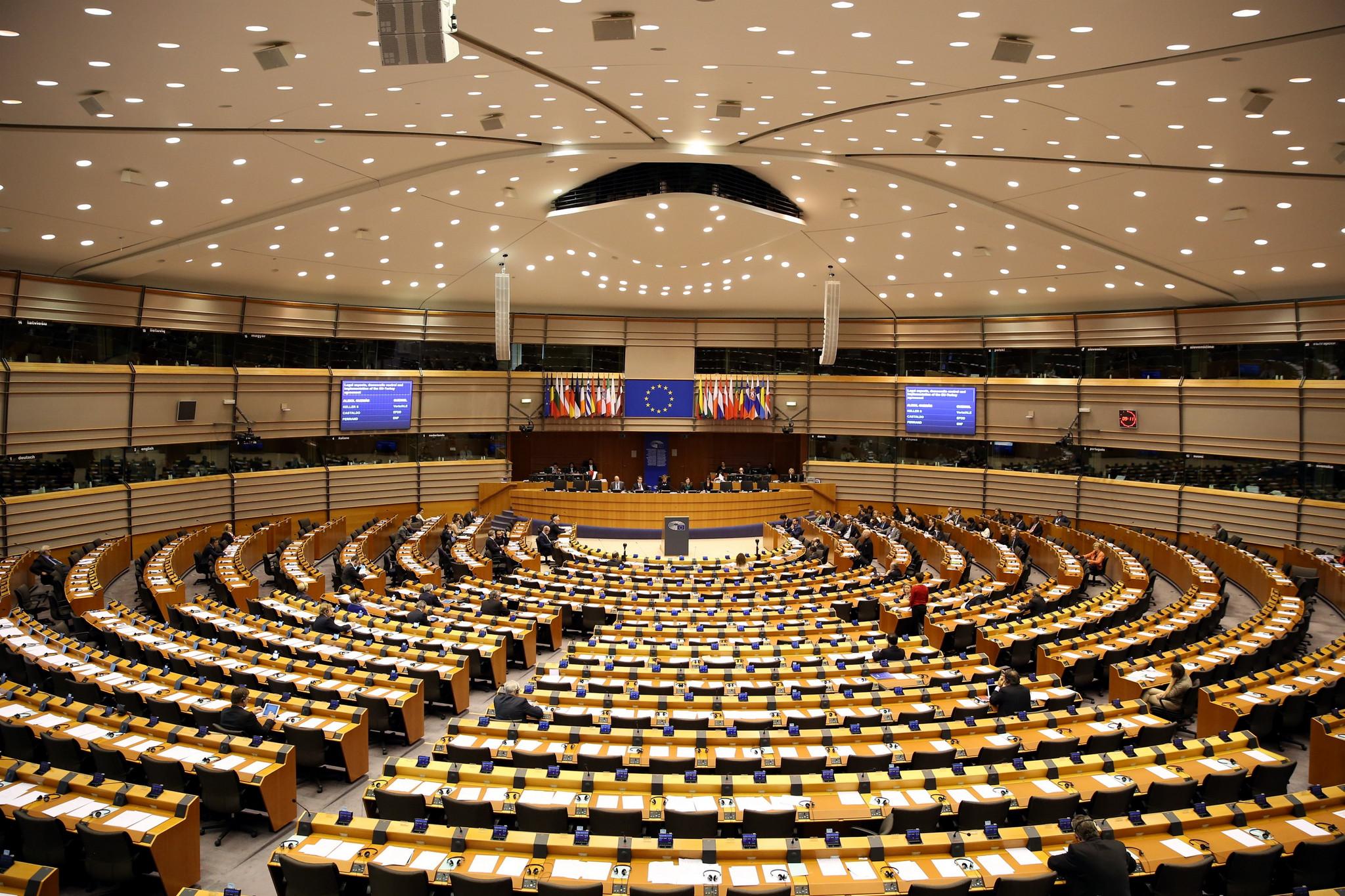Europeias: Direita nacionalista governa em dez países da UE