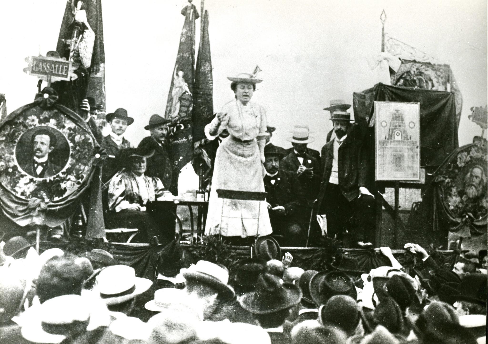 Visao O Assassinio De Rosa Luxemburgo Uma Tragedia E Uma Farsa