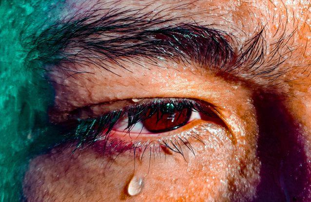 Porque que é que as lágrimas são salgadas?