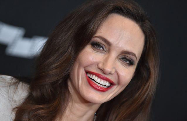 """Qual a história por trás do famoso """"Hollywood Smile""""?"""