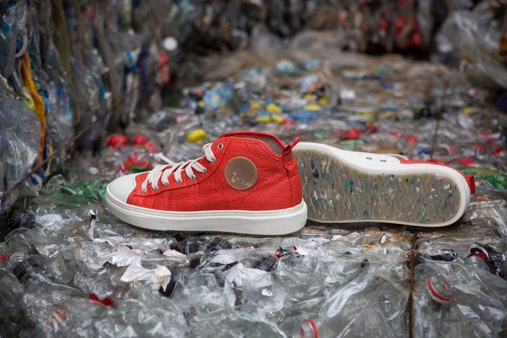 Visão | Zouri Shoes: Estes ténis são feitos de plástico