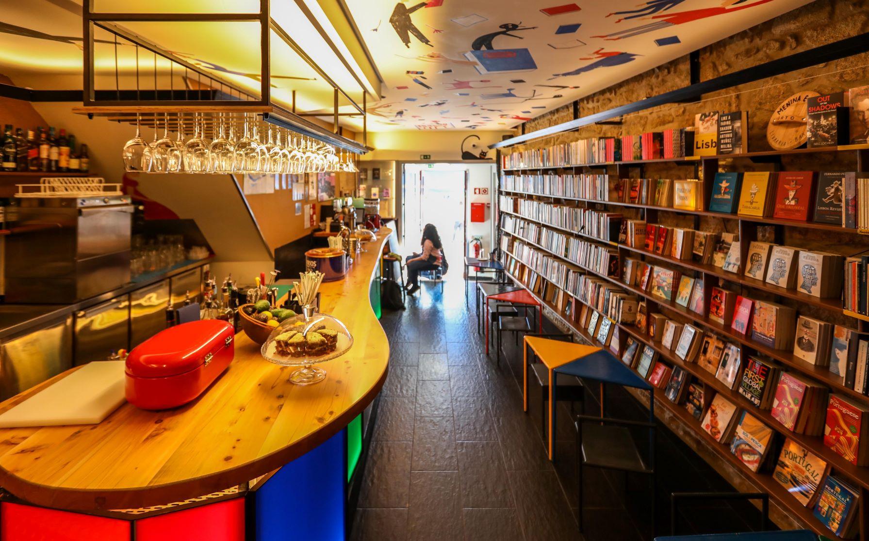 LM- livraria-bar Menina e Moça_-5A.jpg