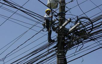 Apagão deixa milhões sem eletricidade no sul das Filipinas
