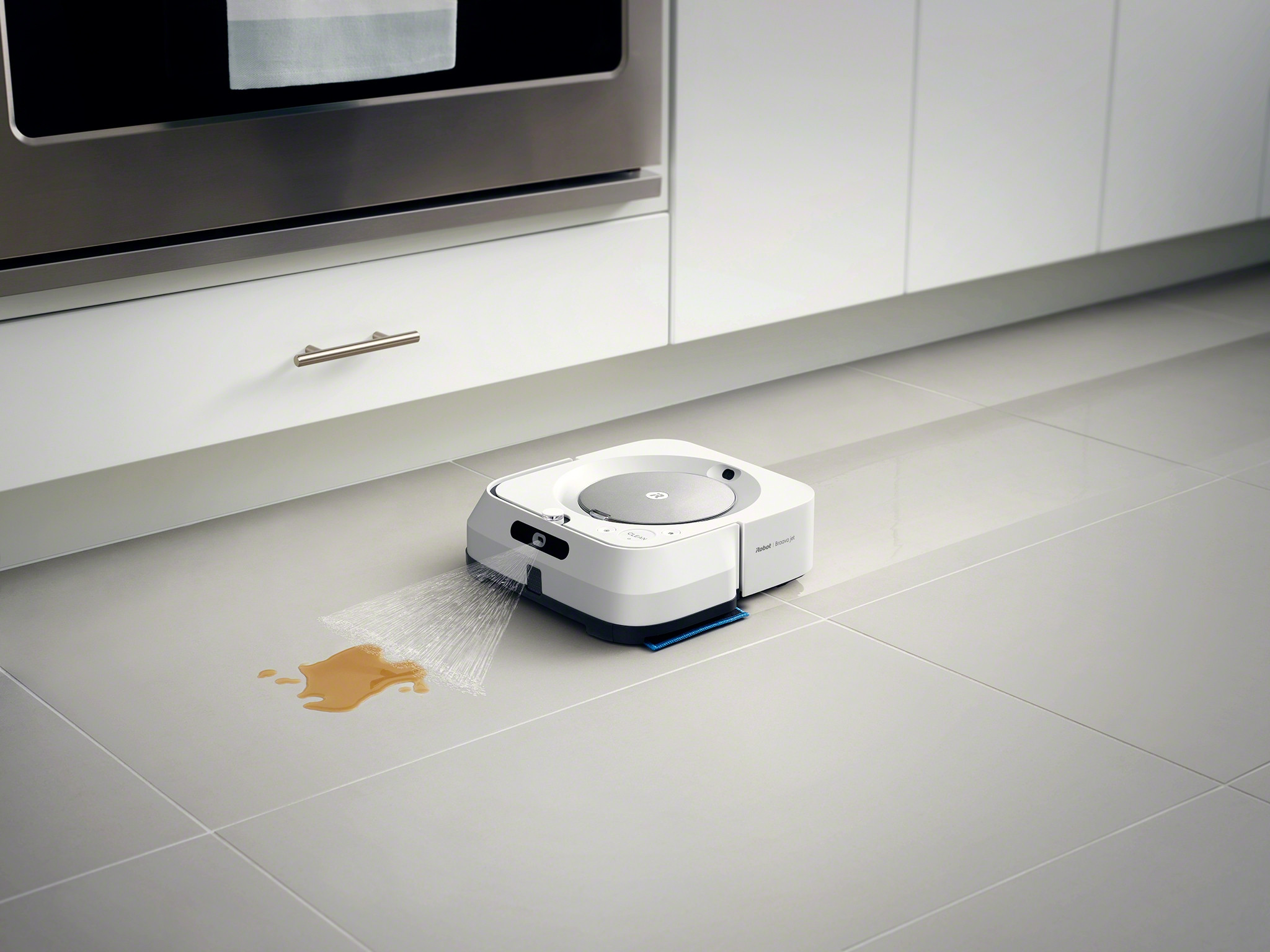 m6_Silver_Photo_InSitu_CleanTrail_StickyMess_Kitchen_Tile_Wet_Washable Wet Pad.jpg