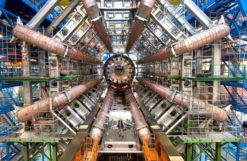 CERN.jpg