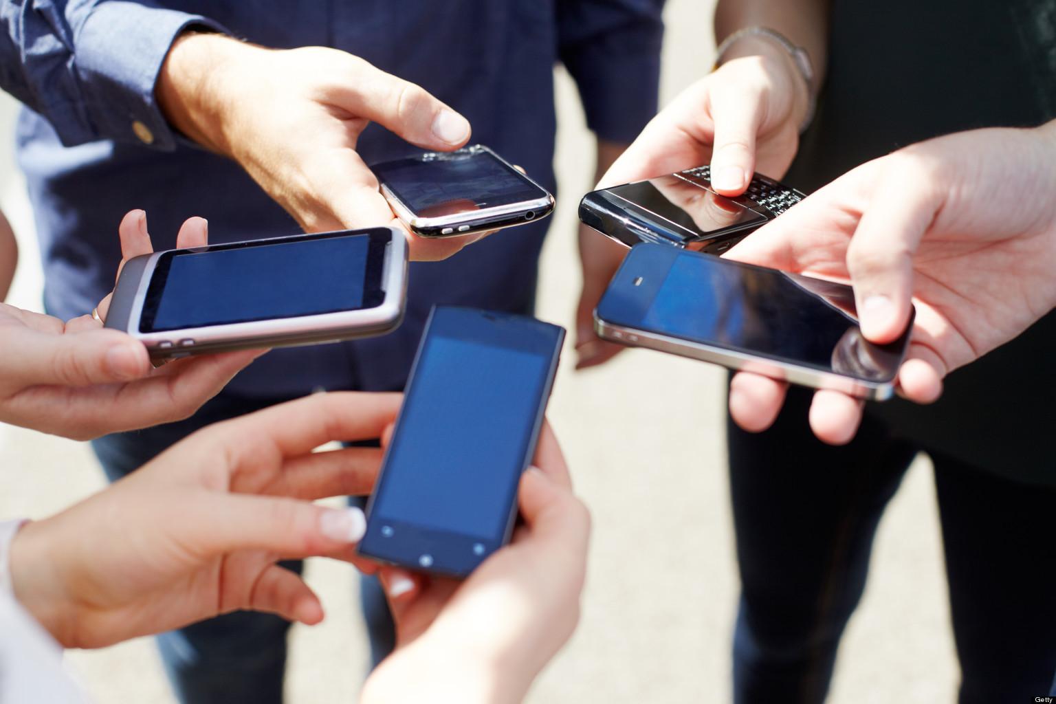 for3-people-using-smartphones.jpg