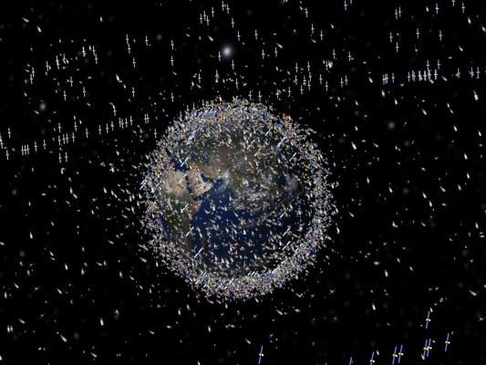 Imagem produzida pela Nasa que dá uma perspetiva do número de satélites artificiais em torno da Terra