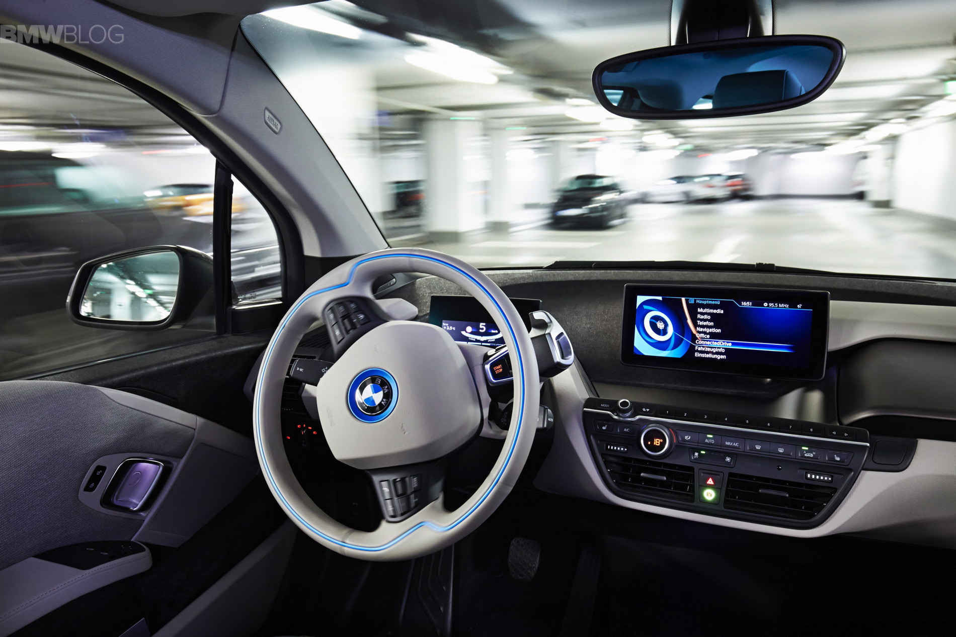 bmw-fully-automated-parking-07.jpg