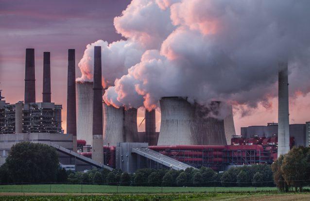 UE compromete-se a alcançar neutralidade carbónica em 2050… mas sem a Polónia