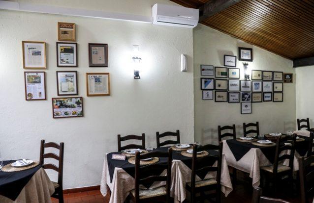 Boa comida e bom preço no restaurante O Parreirinha, em Queluz