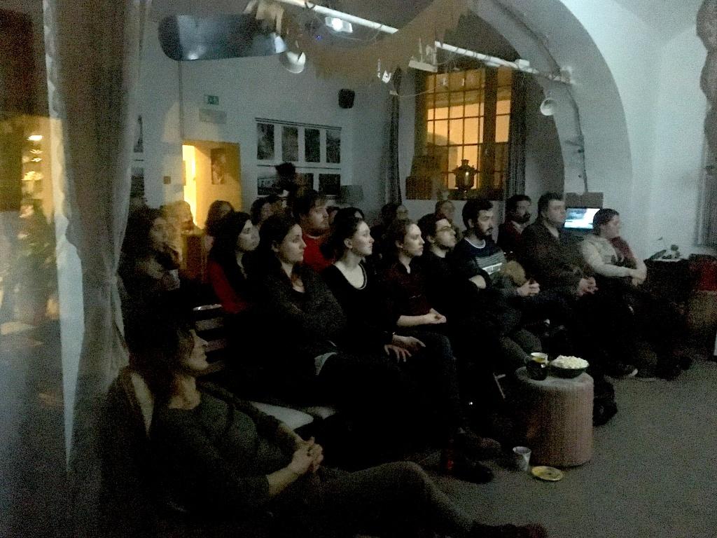 Projeção do filme José e Pilar para dar início ao ciclo anual de cinema Português em Ljubljana, com o apoio do Instituto Camões através da Embaixada Portuguesa, e dos espaços criativos Ziferblat e Poligon.