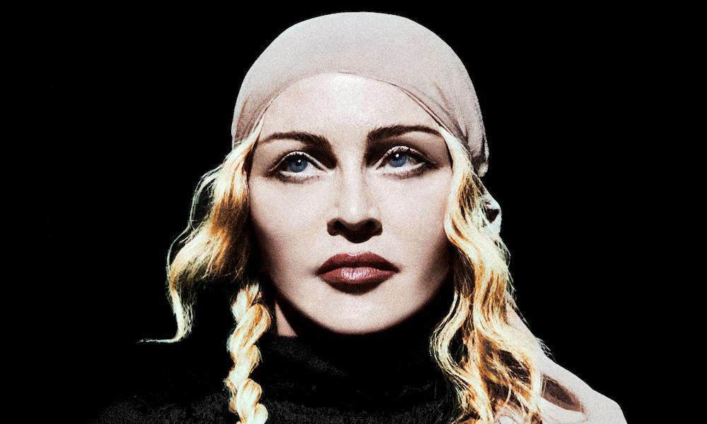 Madonna-pirata, uma das muitas personagens que a cantora encarna agora, no disco Madame X e em concerto