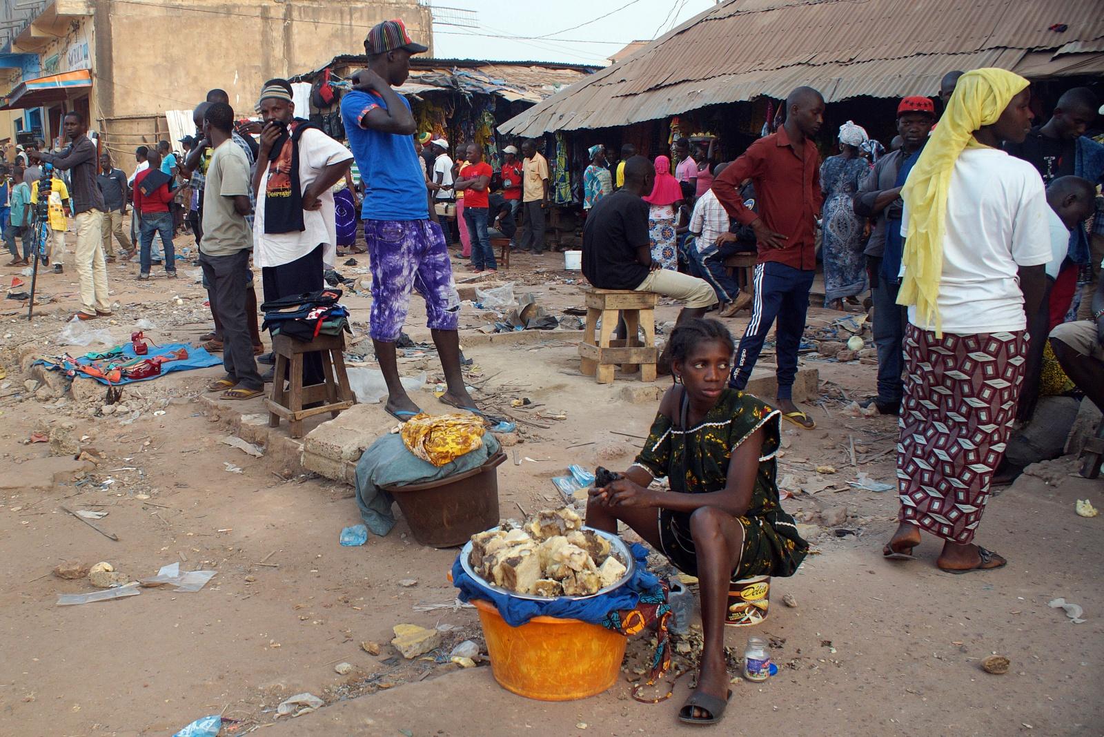Image result for Guiné-Bissau reforça medidas de combate à pandemia e preços aumentam por Lusa