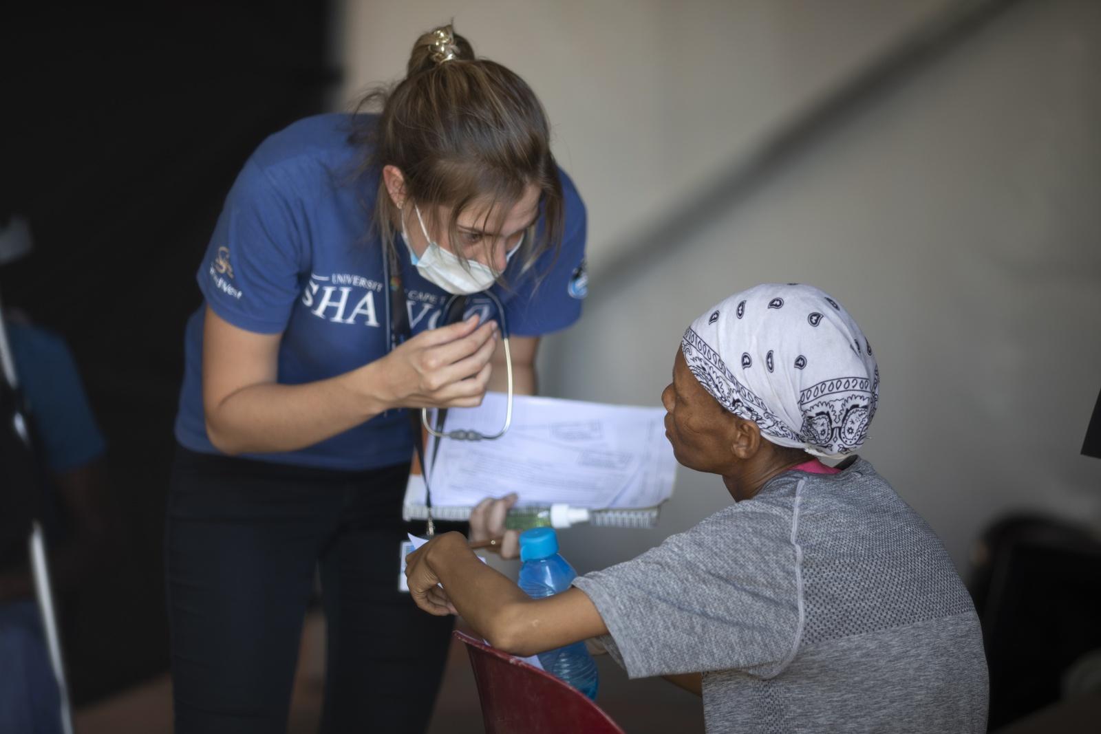 Visão | Covid-19: Pandemia aumenta desigualdades para as mulheres ...