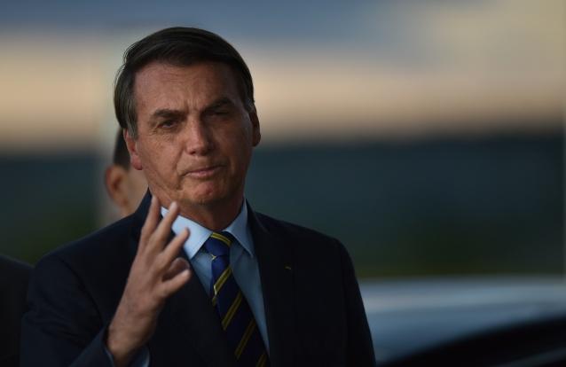 Covid-19: Bolsonaro declara que proibir as pessoas de irem à praia é atitude de uma 'ditadura'