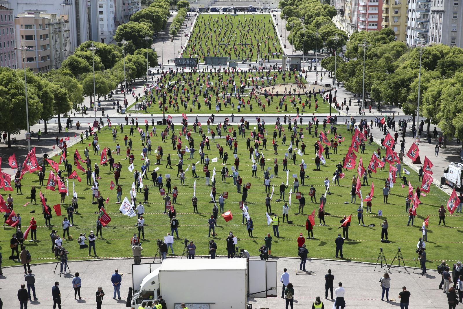 Visão | 1.º de Maio: Pandemia não afastou centenas de pessoas de ...