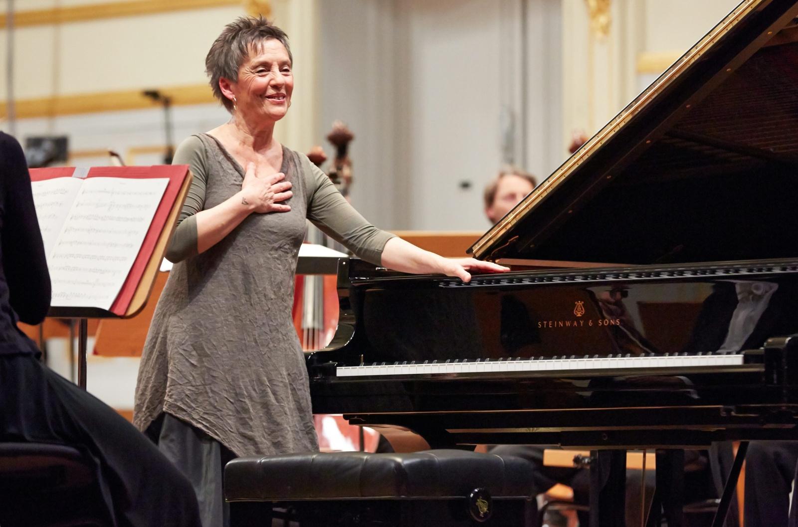 Visão   Deutsche Grammophon publica a discografia completa da pianista  Maria João Pires