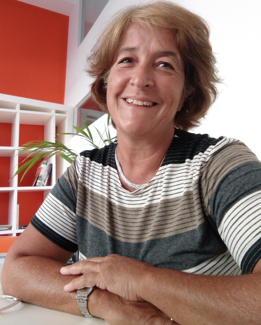 Teresa Leite, psicóloga clínica, musicoterapeuta e coordenadora do mestrado nesta área em Portugal