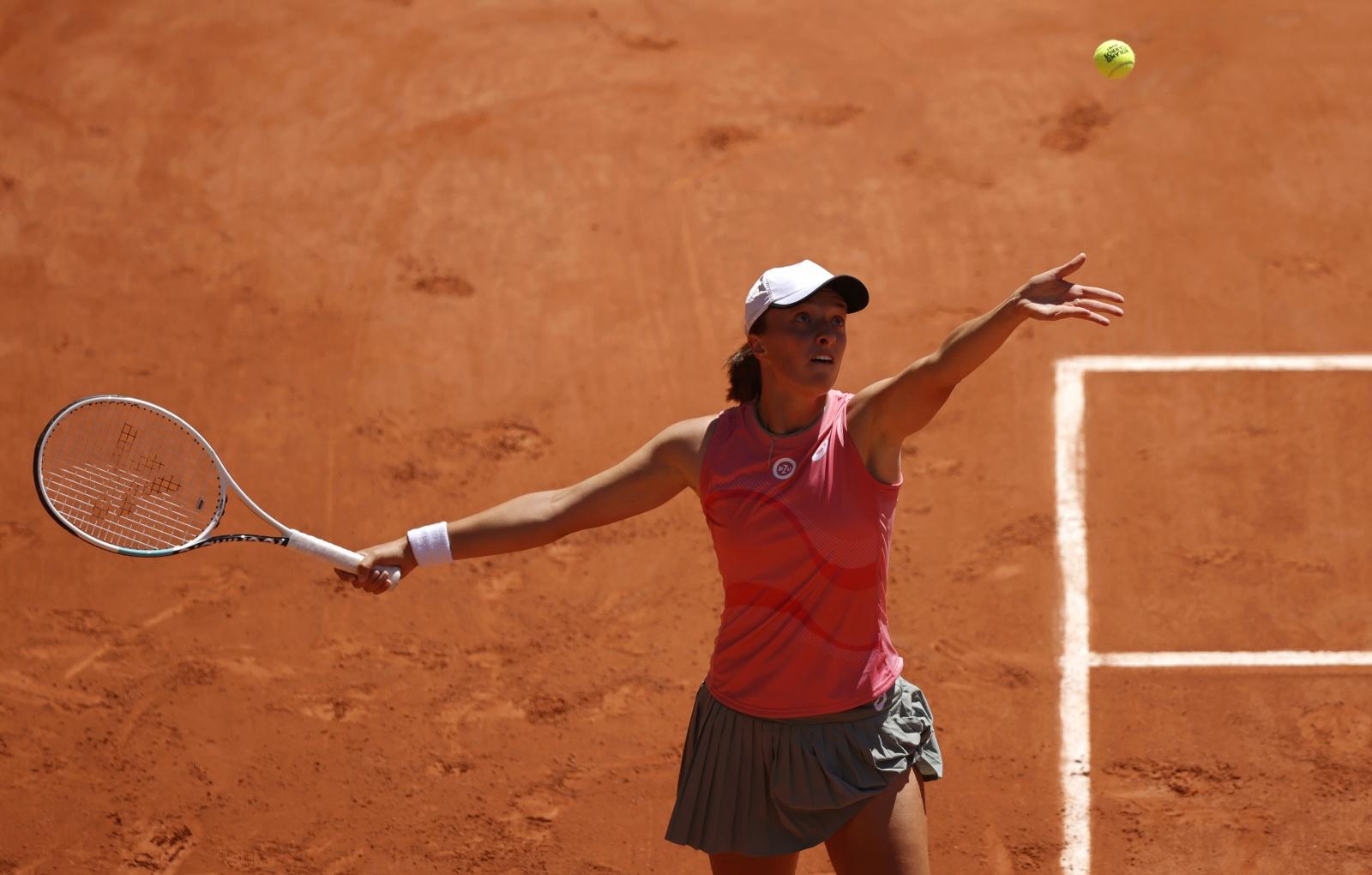 Visão | Roland Garros: Iga Swiatek inicia defesa do título com triunfo sobre Kaja Juvan