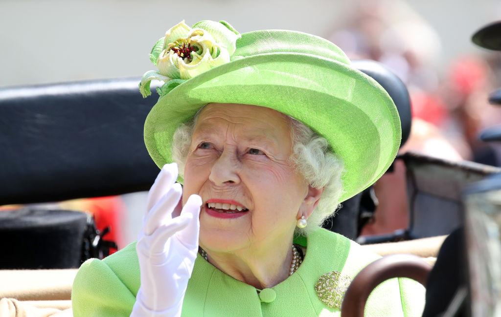 10 A rainha Isabel II.jpg