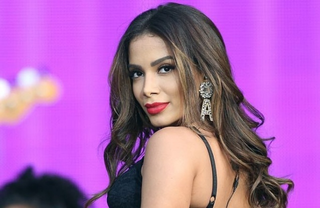 Anitta acusada de ter revelado infidelidade do marido de Débora Nascimento com Marina Ruy Barbosa