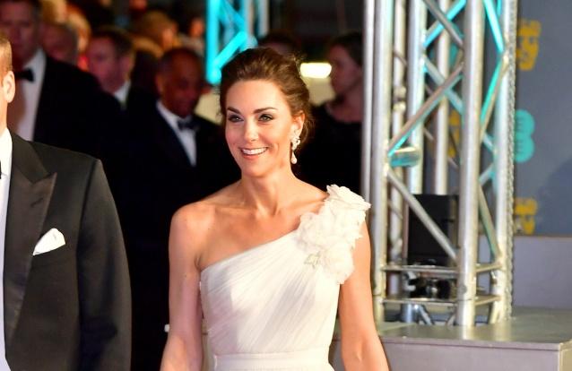 Caras   Os quatro vestidos fabulosos que Kate já usou nos BAFTA