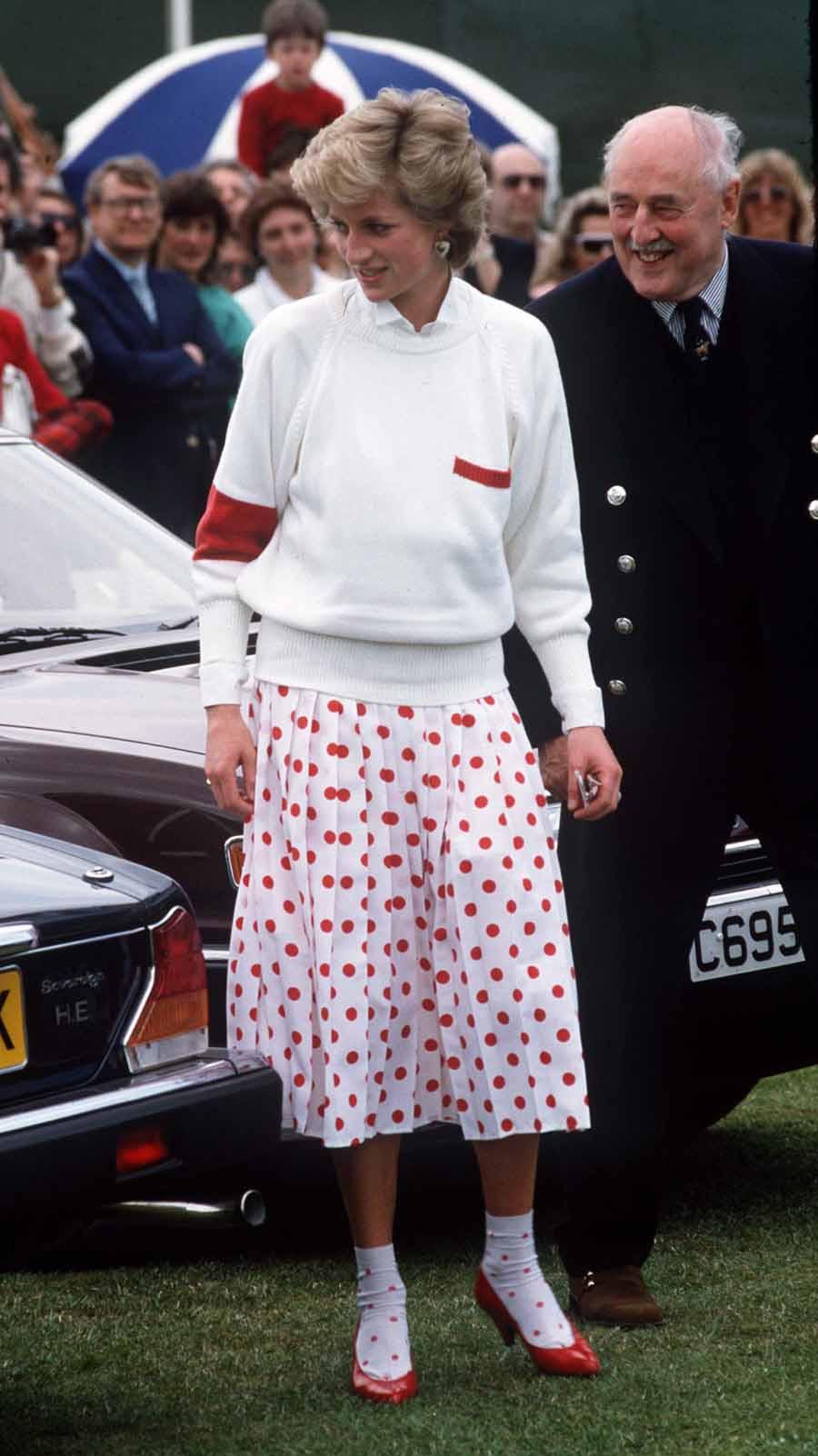 4 Princesa Diana em Windsor em 1986.jpg