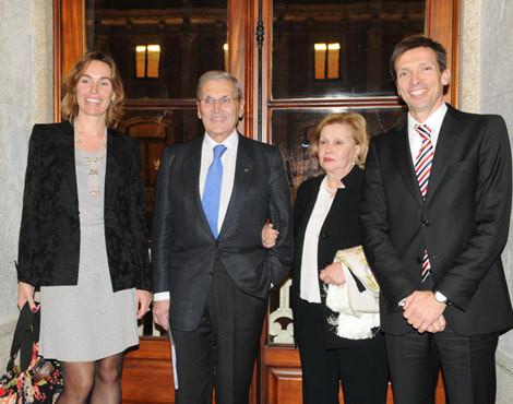 Belmiro de Azevedo com a mulher, Margarida, o filho mais velho e a mulher deste, Paulo e Nicole Azevedo
