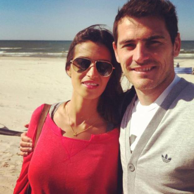 Sara Carbonero e Iker Casillas.jpg