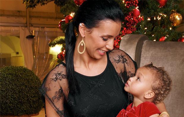Luciana Abreu com a filha mais velha, Lyonce Viiktórya.jpg
