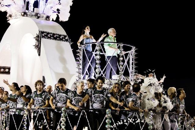 Desfile Rock in Rio_15_Roberta e Roberto Medina_bresol.jpg