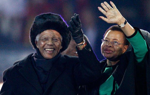 Nelson Mandela e Graça Machel.jpg