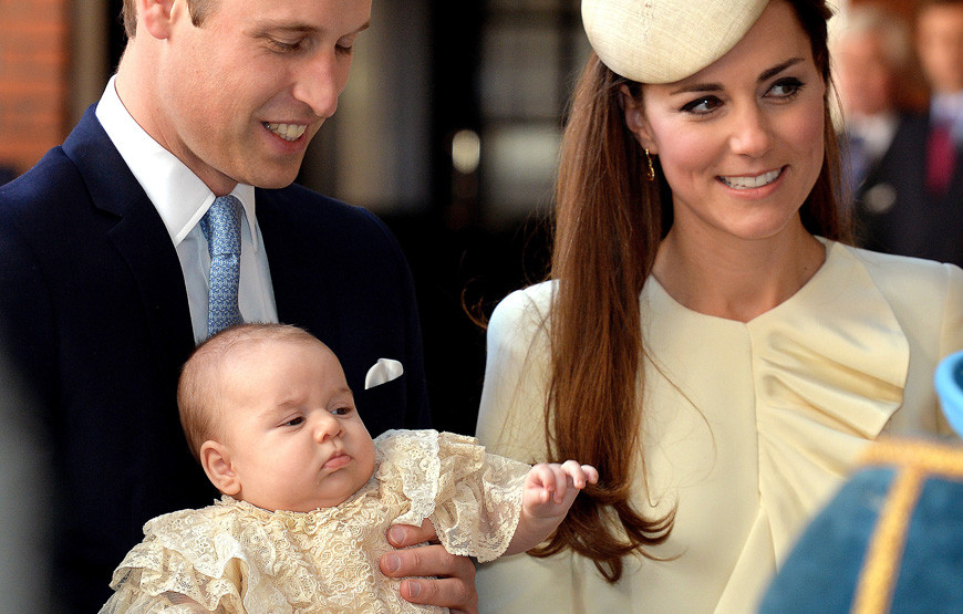 William e Catherine com o filho, George.jpg
