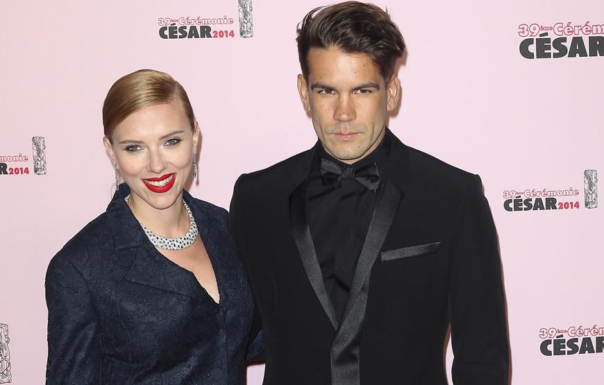 Scarlett Johansson e Romain Dauriac.jpg