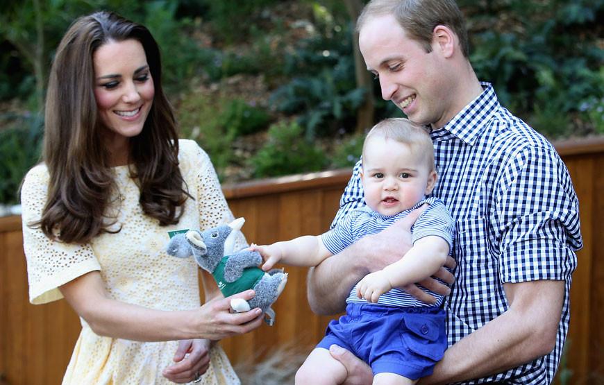 Catherine e William com o filho, George.jpg